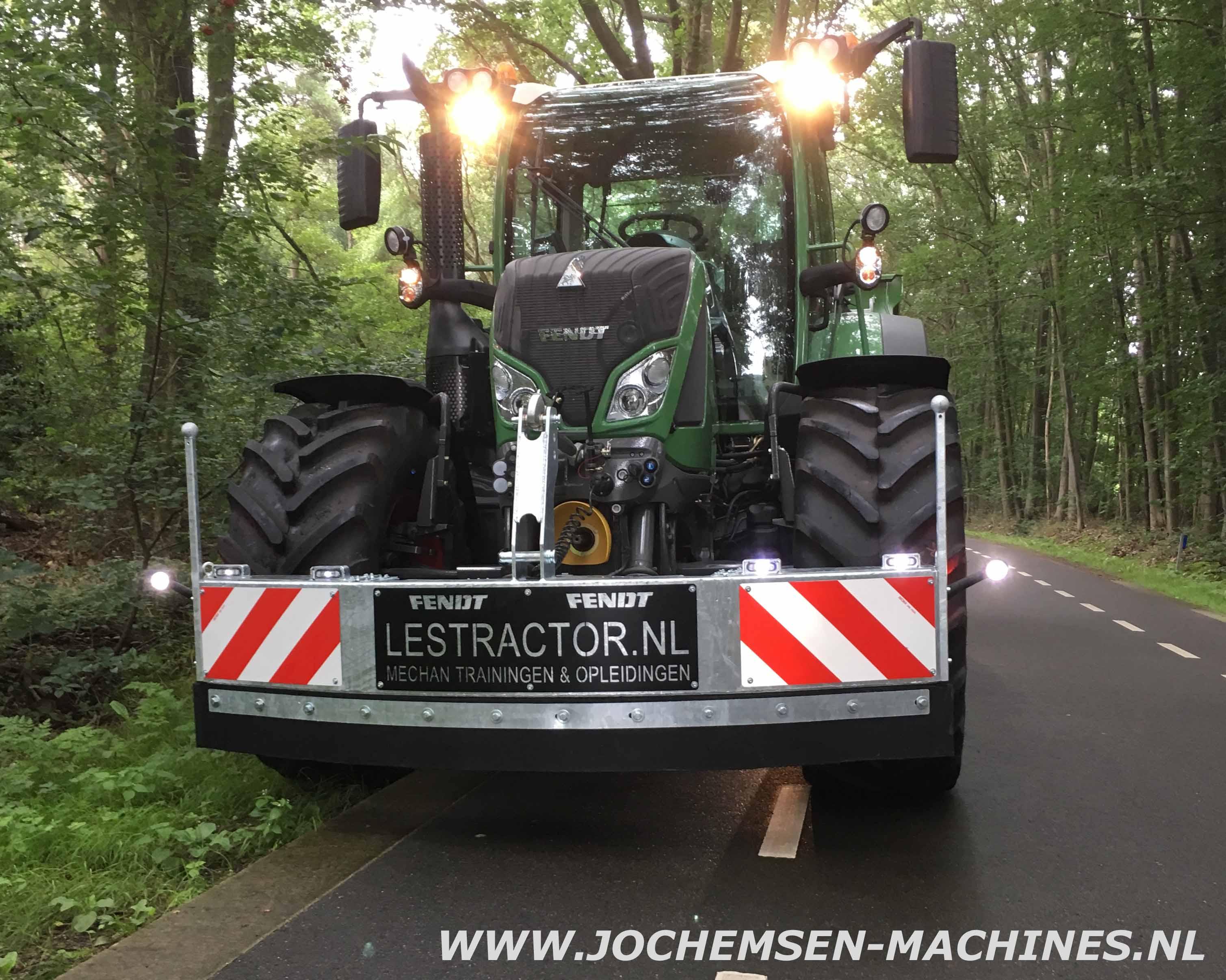 Jochemsen machines trekkerbumpers frontschuiven en meer for Tractor verlichting